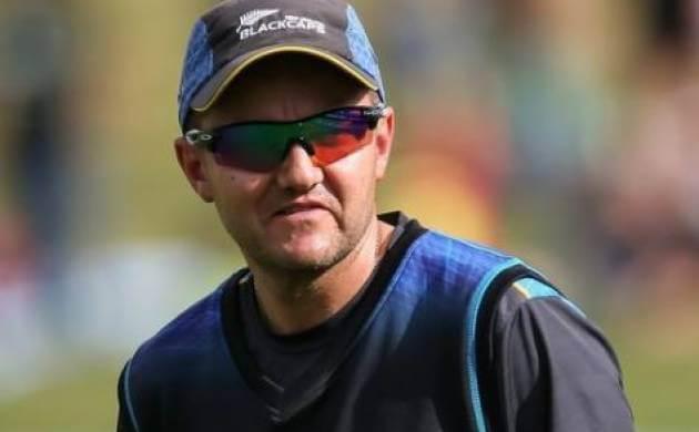 न्यूजीलैंड क्रिकेट टीम: मुख्य कोच का इस्तीफा