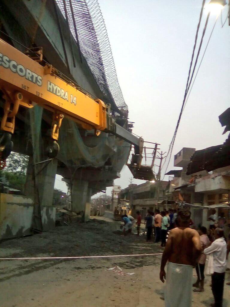 वाराणसी:बड़ा हादसा टला,निर्माणाधीन पुल का शटरिंग गिरा,कोई हताहत नहीं