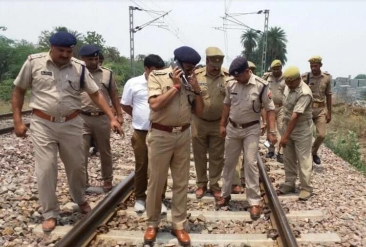मेरठ: ट्रेन पलटने की थी साजिश, पायलट की सूझबूझ से टला बड़ा हादसा