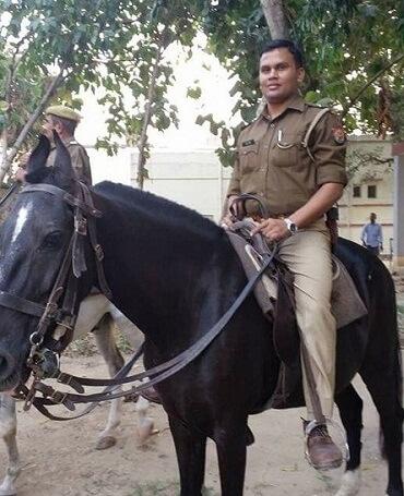 जौनपुर: मंत्री को अपशब्द कहने पर गालीबाज़ थानेदार लाइन हाजिर