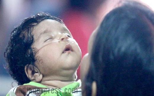 गोरखपुर ऑक्सीजन कांड: डॉ० कफील को क्लीन चिट, जांच रिपोर्ट से सरकार कठघरे में